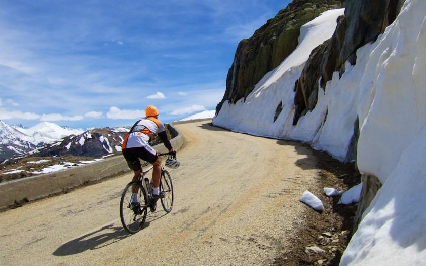 Col de la Croix de Fer just  around that corner