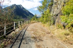 Old road to avoid a tunnel