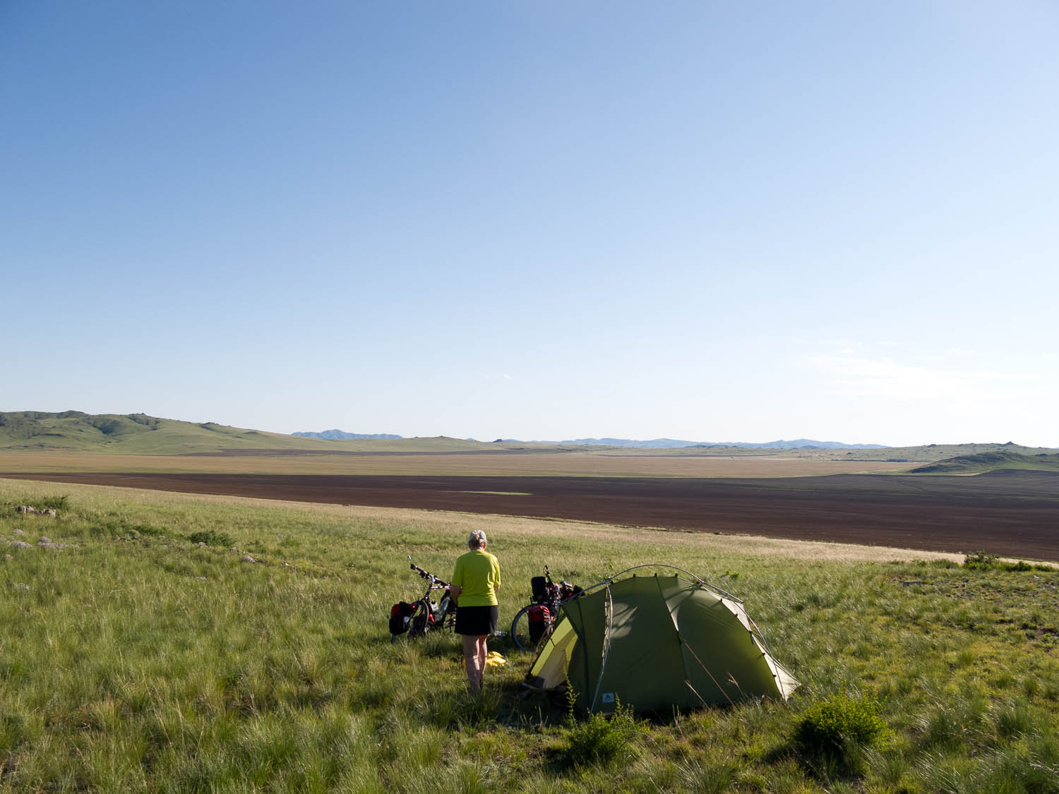 First camp on the rad to Amarbayasgaland