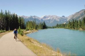 Lake bike track