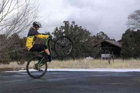 wheelie vs manual