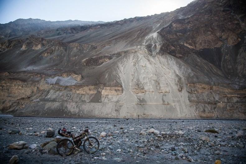 Cycling from Hundar to Turtuk