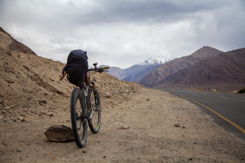 Cycling from Leh to Lato