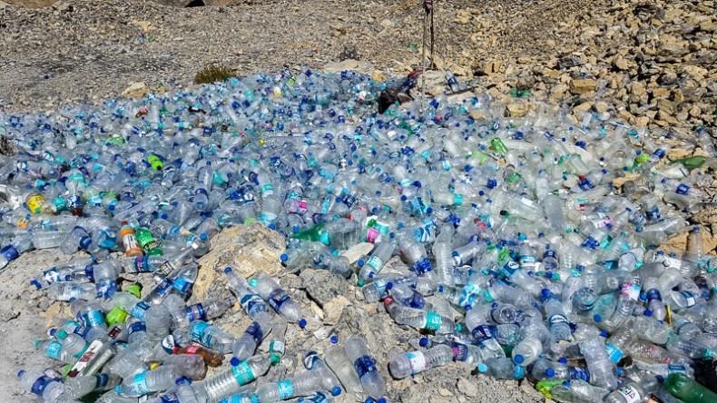 Plastic bottles on the Leh-Manali highway