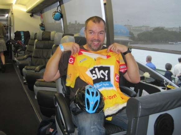 Wiggo's seat, predictably enough, is in the front row, right behind the driver - Image ©Paul Harris / Cycling Shorts.