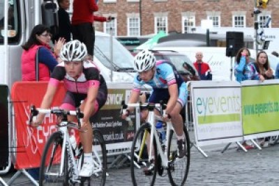 Jadan Press Women's Circuit Race 2015   Beverley Town Centre