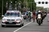 Door een valpartij kwam het peloton verbrokkeld Hoogvliet uit (foto: © Evie van der Spoel/Cyclingstory.nl)