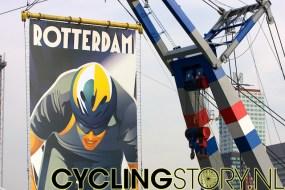 Close-up van het spandoek (foto: © Laurens Alblas / Cyclingstory.nl)