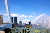 Op de achtergrond zijn de aan de Tour aangepaste torens te zien in de stad (foto: © Laurens Alblas/Cyclingstory.nl)