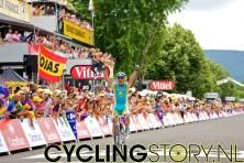 En Vinokourov juichte zoals winnaars dat doen (foto: © Laurens Alblas/Cyclingstory.nl)