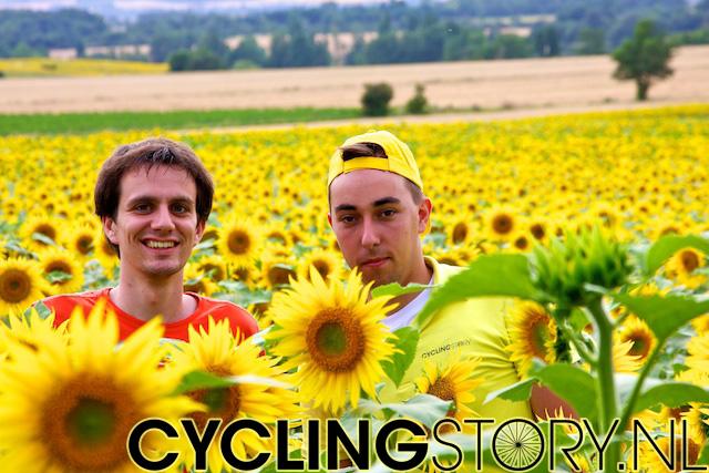 Tijd dus voor een fotomomentje: Groeten uit de Tour, Laurens en Tim (foto: © Laurens Alblas/Cyclingstory.nl)