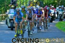 De kopgroep op ongeveer 1 kilometer voor de top (foto: © Laurens Alblas/Cyclingstory.nl)