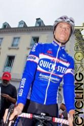 Ook Sylvain Chavanel was aanwezig en nam alle tijd voor de fans (foto: © Laurens Alblas/Cyclingstory.nl)