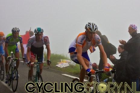 Dicht gevolgd door Robert Gesink (foto: © Laurens Alblas/Cyclingstory.nl)