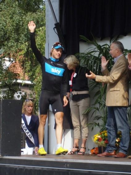 Winnaar Edvald Boasson Hagen komt het podium op. (foto: © Tim van Hengel/Cyclingstory.nl)
