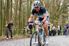 Op de voet gevolgd door de grote favoriet en de winnaar van vorig jaar, Fabian Cancellara. (foto: © Laurens Alblas / Cyclingstory.nl)