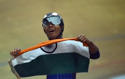 Fire nationer vandt guld på anden dag af U19 bane VM. Historisk medalje til Indien