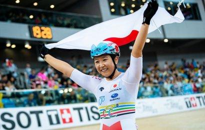 Sjetteplads i omnium til Julie Leth. Japansk sejr