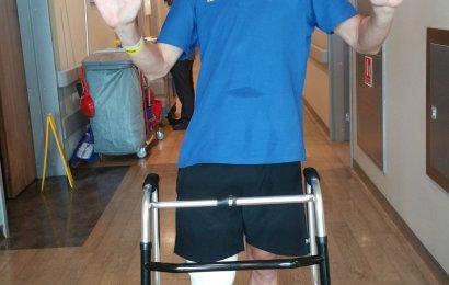 Lars Bak med brud i benet