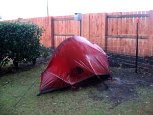 Tält i regn