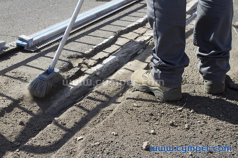 Reparación de junta de dilatación en pavimento asfáltico - 03