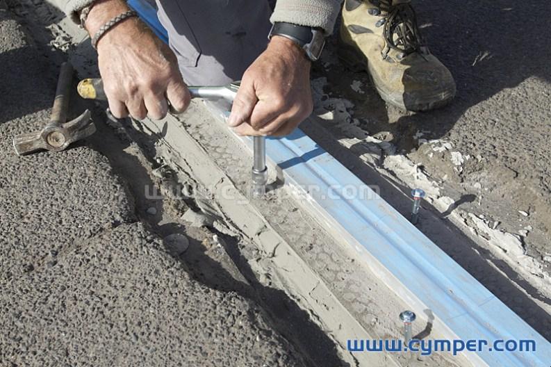 Reparación de junta de dilatación en pavimento asfáltico - 12