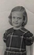 cindy plaid dress arond 4th grade