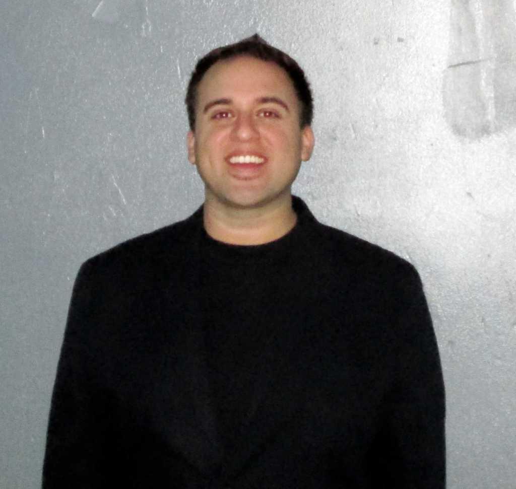 Professor Peter Aguilera