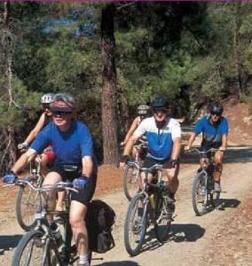 Ποδηλάτες Πηγή: Κυπριακός Οργανισμός Τουρισμού Κυπριακής Δημοκρατίας