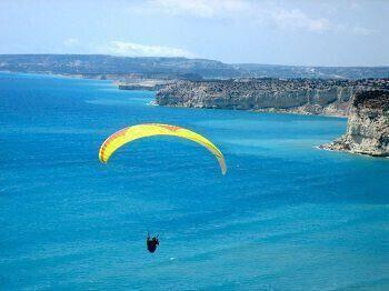 Paragliding in Cyprus Kourio