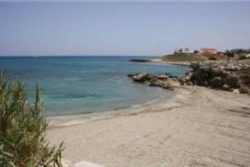 Η παραλία στην τοποθεσία Γλυκύ Νερό Α