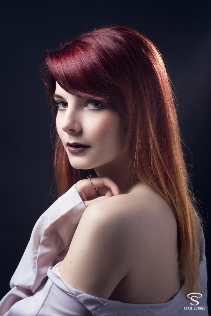 Séance de portrait studio du modèle et blogueuse beauté Gaby Owl par le photographe Cyril Sonigo