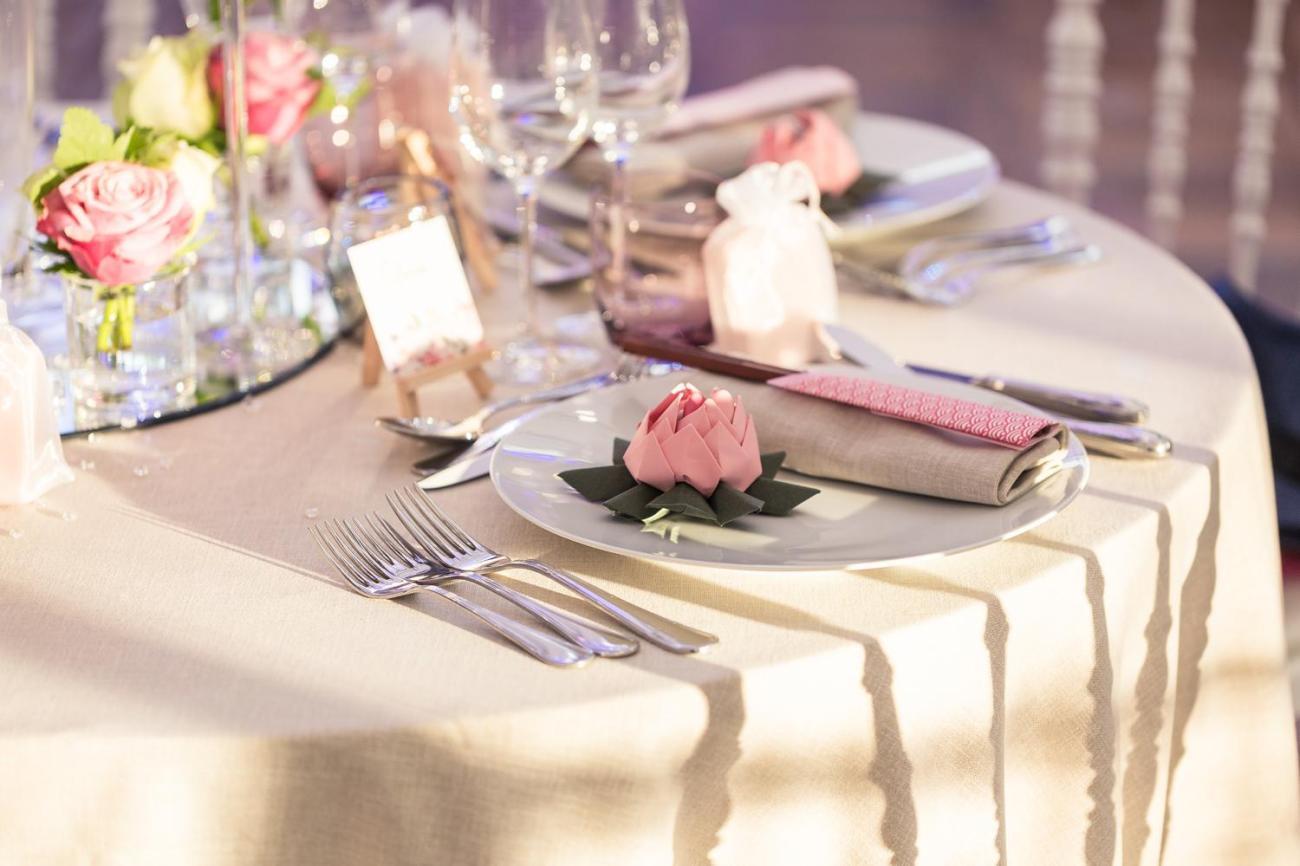 Décoration de table d'un mariage au Domaine de la Butte Ronde