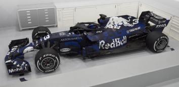 Red Bull RB14 bok malowanie tymczasowe