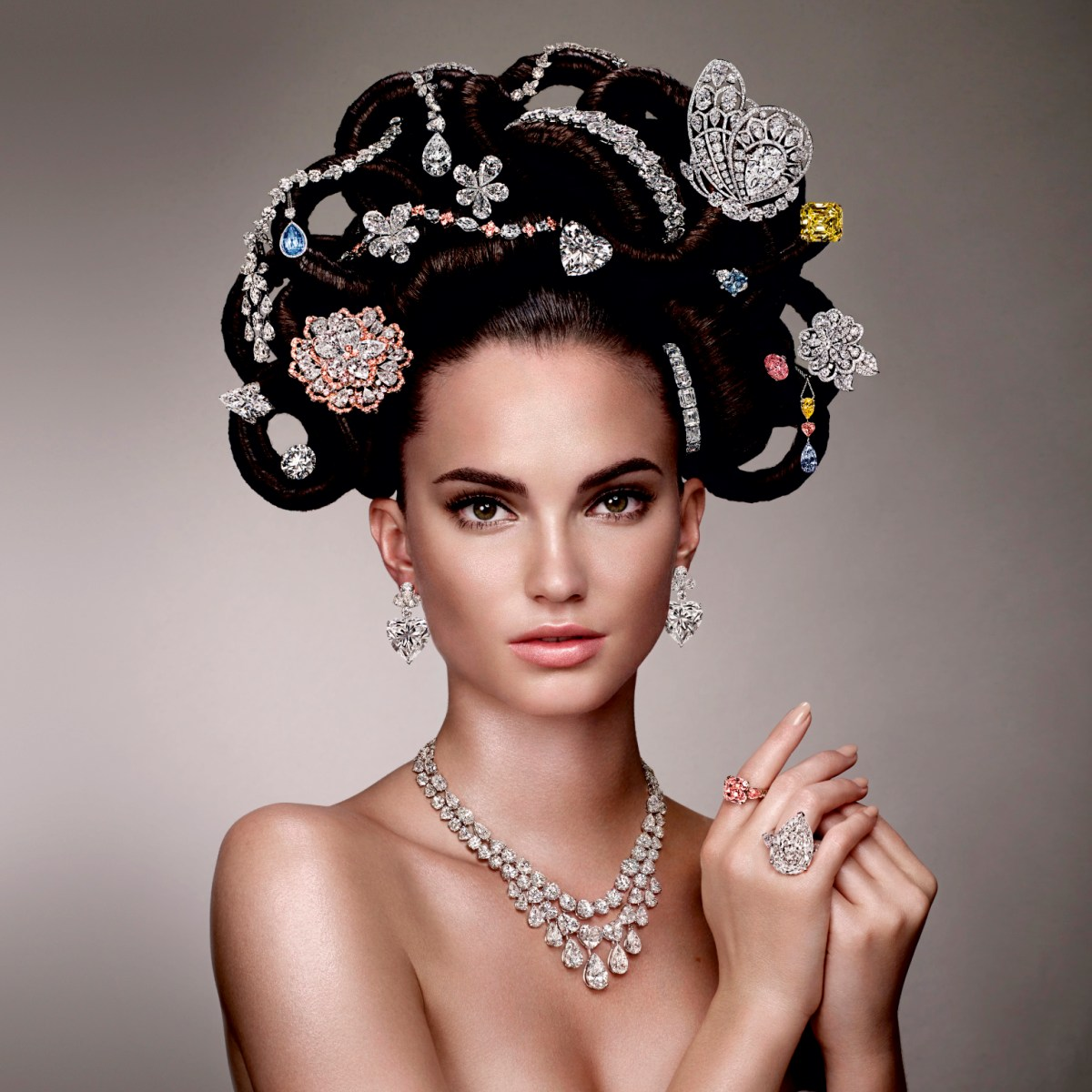 5 Hair Accessories Every Women Should Have