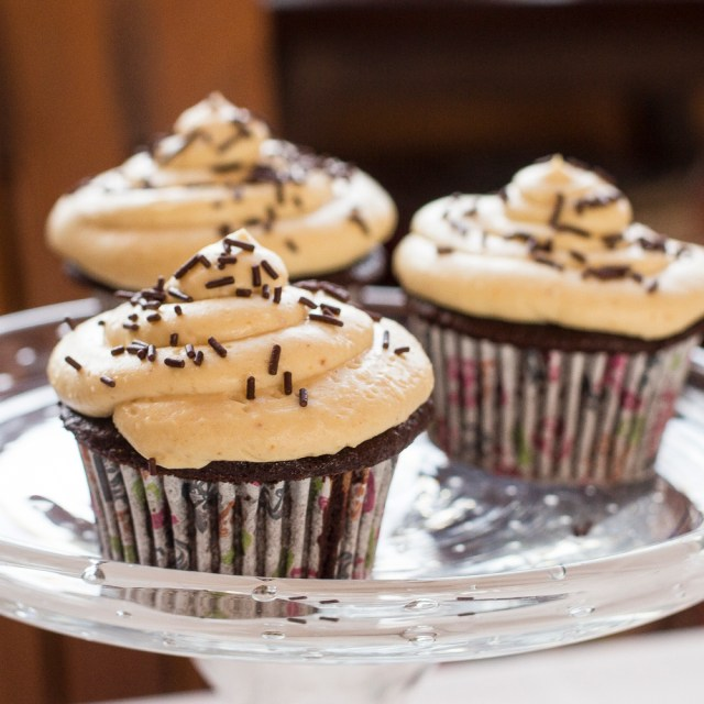 chocolate cupcakes with PB frosting0057lrg