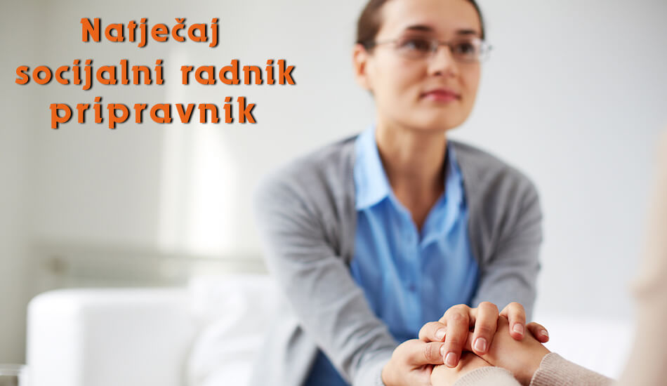 Na fotografiji je socijalna radnica koja u svojim rukama drži nečije ruke, druga osoba nije prikazana.