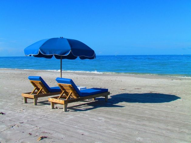 beach-382488_1280