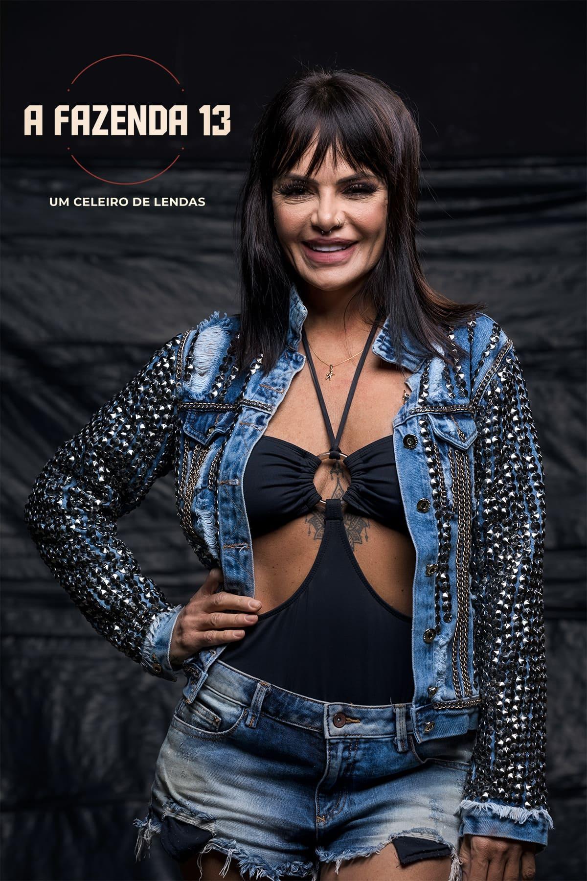 VALENTINA FRANCAVILLA NA FAZENDA