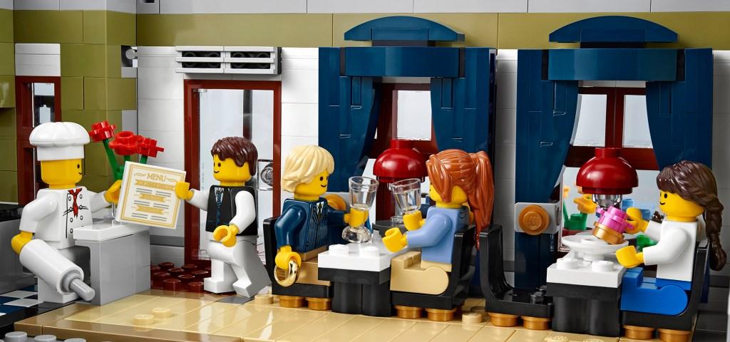LEGO 10243 salle