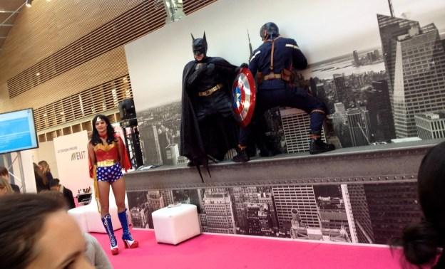 Un Cross-Over Batman Vs. Captain America sur les toits de New York... Pourquoi pas... (D.Stankovski)