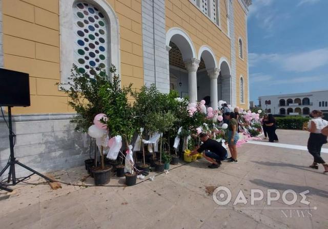 Σπάραξαν καρδιές στην κηδεία της μικρής Αναστασίας
