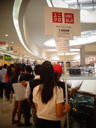 Uniqlo Philippines SM Mall of Asia Opening