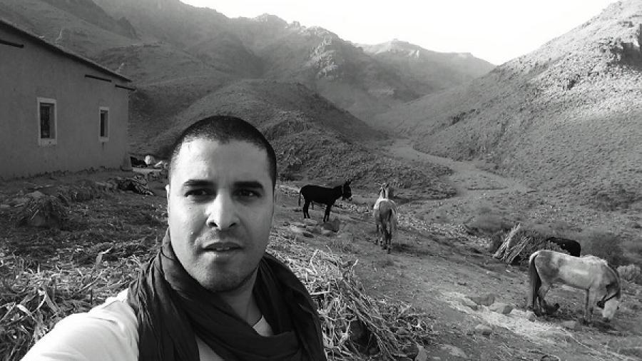 عبد الرحمان عمار .. من قرية في هامش الماروكان إلى إعلامي وأكاديمي ساطع في بلاد الألمان