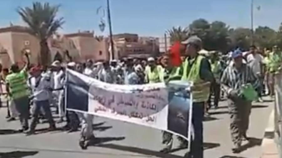 محتجون يطالبون بلجنة للتحقيق في مشروع الصرف الصحي بتنغير