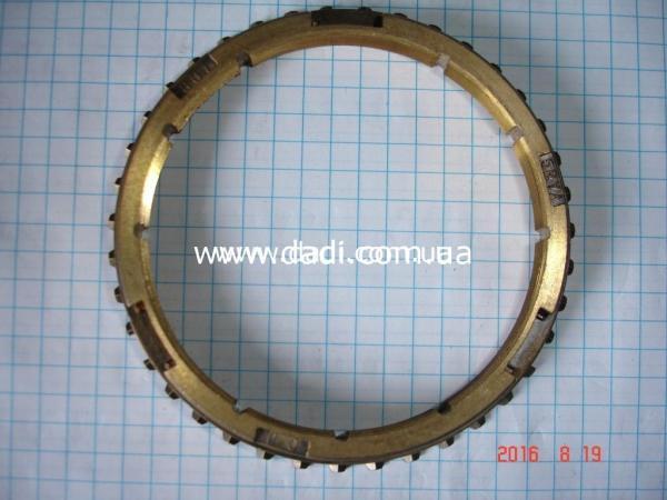 Кільце синхронізатора 1-2 передач/ кольцо синхронизатора -0