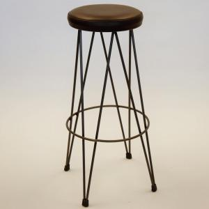 Taburete dopey estructura hierro asiento tapizado piel marrón