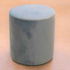 Puff redondo tapizado en terciopelo azul celeste H-45cm