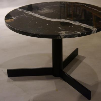 Mesa BOGGIE altura 45cm con sobre mármol negro marquina de 56cm diámetro