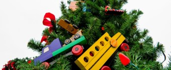 Eleven Tips to Surviving the Holidays After Divorce